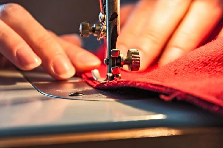 Sewing Knitwear without an Overlock